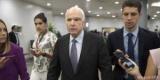 Маккейн назвал Россию большей угрозой, чем