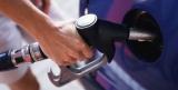 Эксперты рассказали, где продается самый дорогой бензин в мире